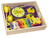 Instrument de musique en bois des jouets dans une boîte de dialogue