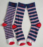 倍数はカスタムロゴの綿の人のズボンのソックスを縞で飾る