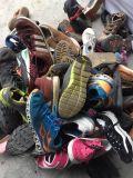 استعمل تصدير إلى إفريقيا سوق حجم كبيرة أحذية بالجملة, يستعمل [منس] جلد رياضة أحذية