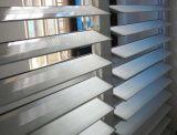 Precio competitivo armazón de aluminio persiana de vidrio de ventana con cuchillas ajustables