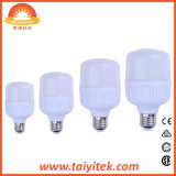中国の製造者E27 B22アルミニウムTモデルLEDの電球