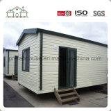 Casa prefabricada para el campo de trabajos forzados como dormitorio y oficina de los trabajadores