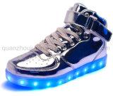 Moda OEM coloridos zapatos de LED recargable PU