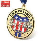 めっきされた旧式な真鍮メダル、黄銅はメダル、顧客用円形浮彫りをめっきした