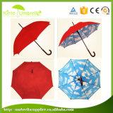 Qualitäts-Marine-Blau-äußerer blaues und weißes Wolken-Drucken-innerer gerader Regenschirm