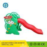 Personalizado de fábrica de guardería infantil para niños interesante diapositiva Parque Infantil de plástico juguetes en venta