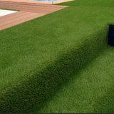 Grama econômica do relvado sintético da decoração do jardim