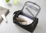 Le cas cosmétique neuf Necessaries d'organisateur de sac de grande de renivellement de femmes et d'hommes course en nylon imperméable à l'eau de sac composent le sac d'article de toilette de lavage