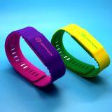 HF disponibile MIFARE dei campioni liberi ISO14443A RFID PIÙ il braccialetto del silicone 2K come regalo di promozione
