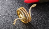 女性の多重列の円形の白く自然なジルコンのためのヘビによって形づけられる18K金によってめっきされるリングは女性の金の簡潔な宝石類のアクセサリを鳴らす