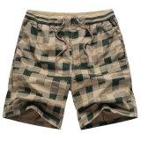 Lo svago stampato di Pinochetto degli uomini mette i pantaloni in cortocircuito casuali della spiaggia dei pantaloni allentati di estate
