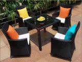 Patio esterno del nuovo di svago del PE giardino di vimini popolare del rattan che pranza la mobilia del sofà