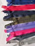 De multi Nylon Ritssluiting van de Band van de Kleur met Allerlei Grootte