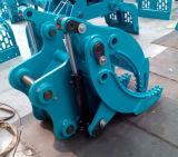 掘削機によってはKobelco Sk135の掘削機のための油圧グラブが取り組む