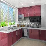 Aprontar o projeto moderno feito gabinete de cozinha da madeira contínua
