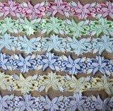 Merletto multiplo del ricamo di colore del filato del latte di modo per l'indumento