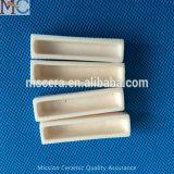 Crogiolo di ceramica di allumina refrattaria per il forno di fusione