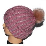 宝石が付いている女性POM POMのウールの冬の帽子の帽子