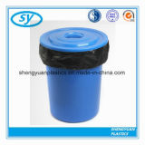 Sac d'ordures respectueux de l'environnement en plastique de Biobased sur le roulis