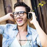 Het runnen van Hoofdtelefoon van het Oor van de Oefening de Gymnastiek Getelegrafeerde met StereoBestuurders voor de Volwassenen van de Tienerjaren van Jonge geitjes