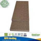 O composto plástico de madeira embarca revestimento ao ar livre da plataforma da piscina