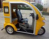Tres ruedas discapacitados discapacitados triciclo para los pasajeros viajar