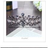 A coroa nupcial personalizada a mais nova de 2018 tiaras douradas de vidro de cristal do Rhinestone de Stonne do casamento da coroa da decoração da festa de Natal (BC11)