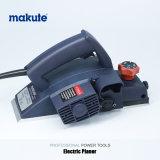 O Woodworking de Makute utiliza ferramentas a plaina elétrica de 82mm com boa qualidade