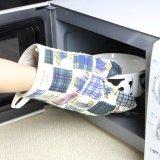 L'orso ha stampato i guanti mezzi 100% del forno della cucina del bambino del cotone/termoresistente svegli per uso della cucina