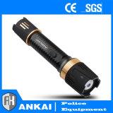 A lanterna elétrica de Defenseself dos 6800 choques eléctricos Stun o injetor