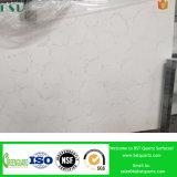白いカラーラの人工的な大理石の水晶平板