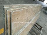 Los paneles de piedra amarillentos de la decoración de la pared del panal
