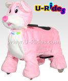 крупноразмерный гуляя животный автомобиль для розовой мыши