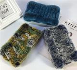 Le fasce della pelliccia di inverno per le donne hanno lavorato a maglia la sciarpa della pelliccia del coniglio di Rex