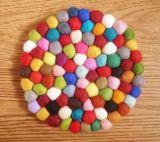 ドア・マット、虹の多彩なフェルトのクッション