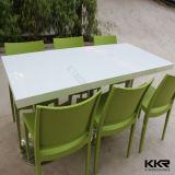 家具の長方形の固体表面の食卓の椅子の食事
