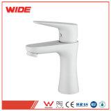 Taraud de mélangeur chaud peint par blanc d'eau froide, salle de bains de robinets avec le prix bas