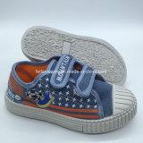 Contrato de inyección de Junior duradera sujetador de tela vaquera zapatos para niños de escuela (HH18512-2)