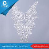 化学水溶性のミルクポリエステル白い蝶レースカラー