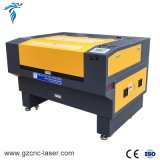 Machine van de Gravure van de Graveur van de Laser van de Snijder van Co2 de Mini Mini met Camera CCD voor het Auto Plaatsen