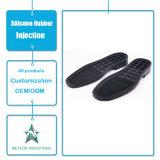 La gomma personalizzata dei pattini di sport dei pattini casuali calza la sola iniezione di gomma