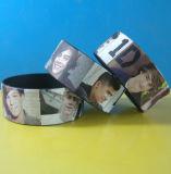Coutume 1 pouce - bracelet élevé de silicones d'impression de Digitals de définition