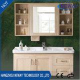 ミラーのキャビネットとの現代デザイン純木の壁の浴室の虚栄心