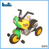 Los niños del pedal de plástico Walker coche juguetes para niños a la unidad coche