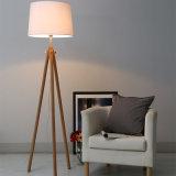 Hôtel tissu décoratif de l'ombre Lampadaire permanent avec les jambes en bois