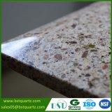 Voorgesneden Kunstmatig Graniet die Countertop van de Steen van het Kwarts kijken