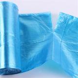 L'abitudine tutti i rifiuti dei rifiuti dell'immondizia di colori succhia il sacchetto di rullo