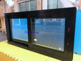 이중 유리를 끼우는 주문을 받아서 만들어진 알루미늄 슬라이딩 윈도우