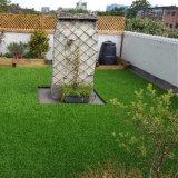 55mmの高さ18900の密度Lfg10の屋内屋外の装飾的な人工的な草のカーペット