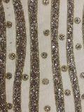 ガラス石が付いている網またはネットの刺繍、